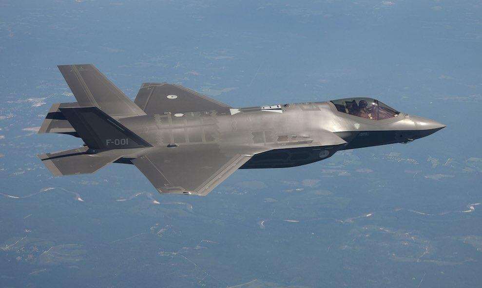 США заставляют Турцию сделать выбор между F-35 и С-400