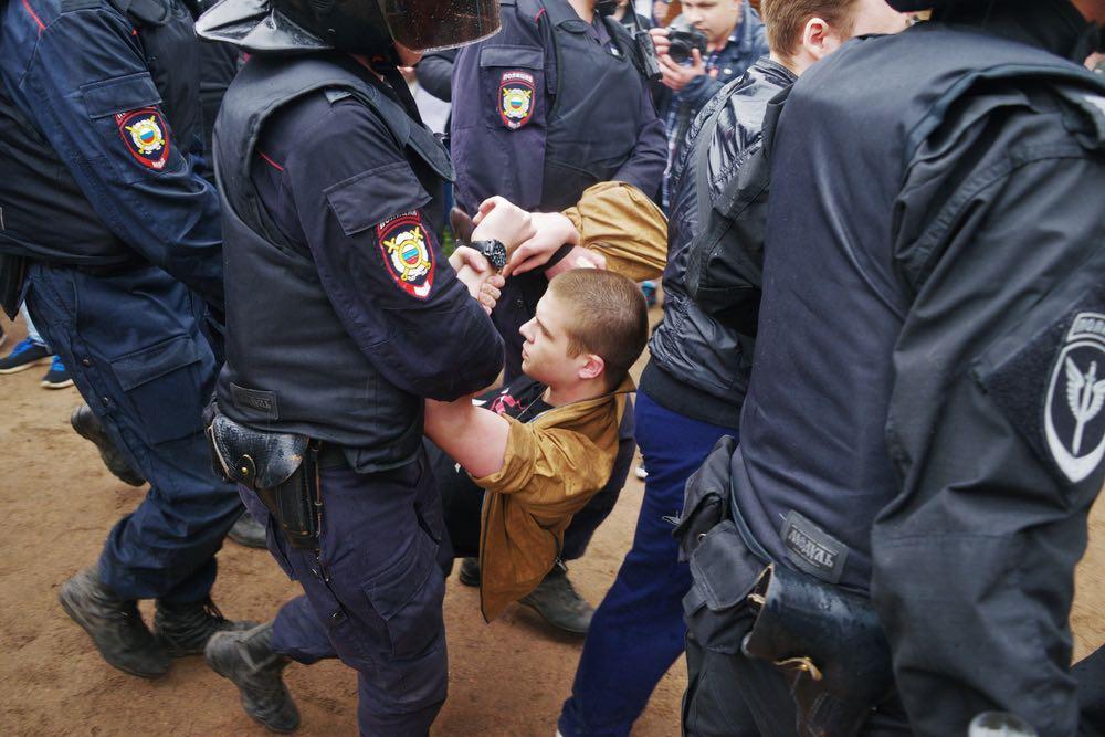 Задержанных на несанкционированных митингах молодых людей будут отправлять в военкоматы