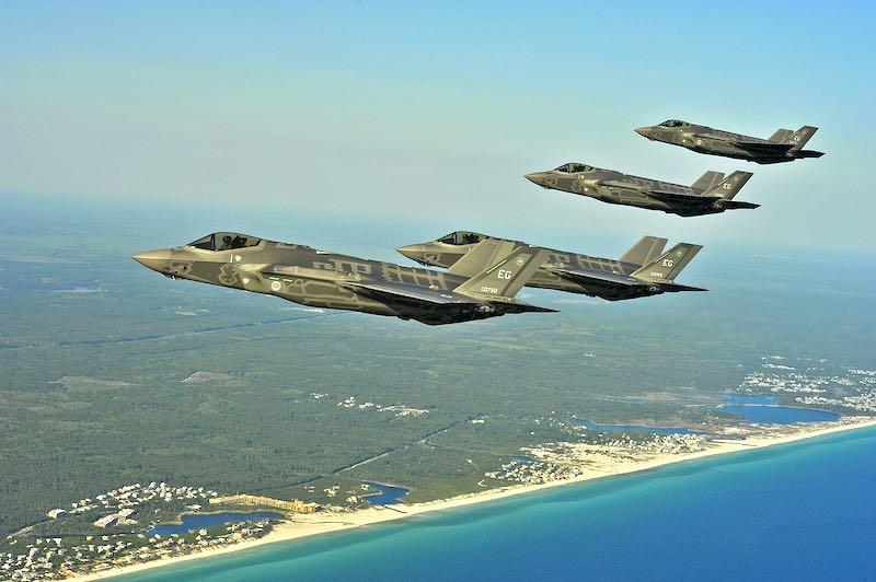 США «впарили» Польше свои распиаренные истребители F-35