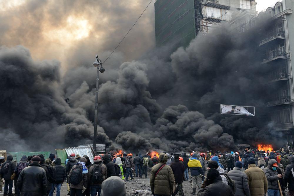 Украинские националисты объявили мобилизацию боевиков на новый майдан