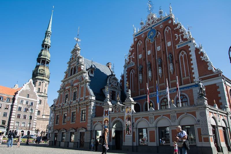 Латвийских политиков назвали позором нации