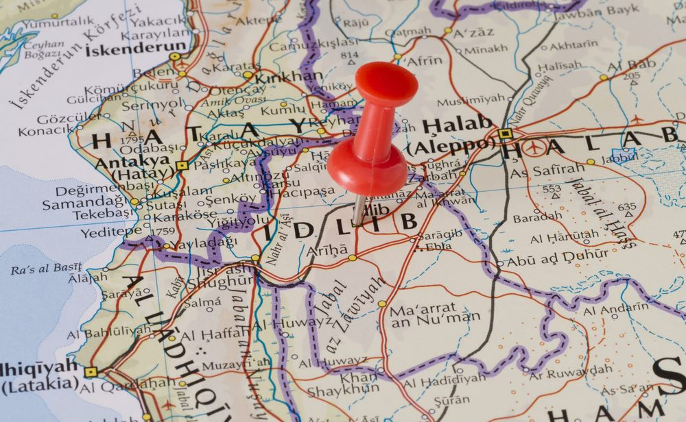 Террористы Идлиба отступают к границе Турции