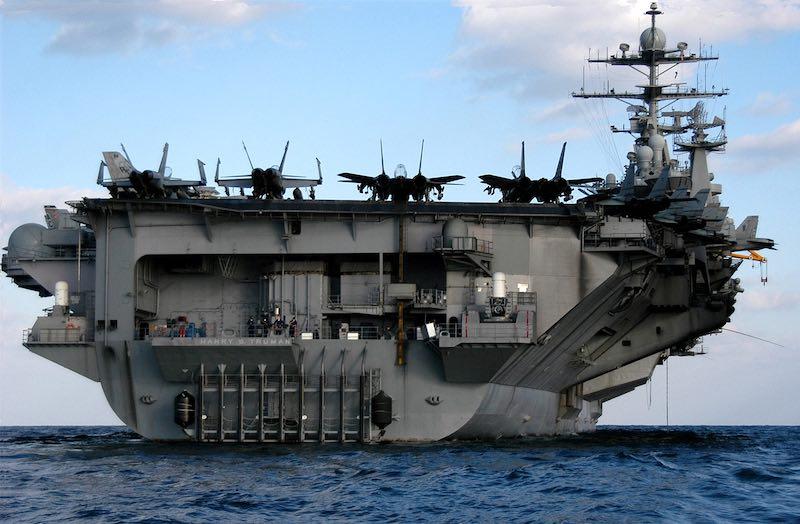 США отправили авианосец «Гарри Трумэн» следить за подлодками ВМФ России у берегов Сирии