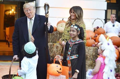 Дональд и Мелания Трамп отпраздновали Хэллоуин с детьми