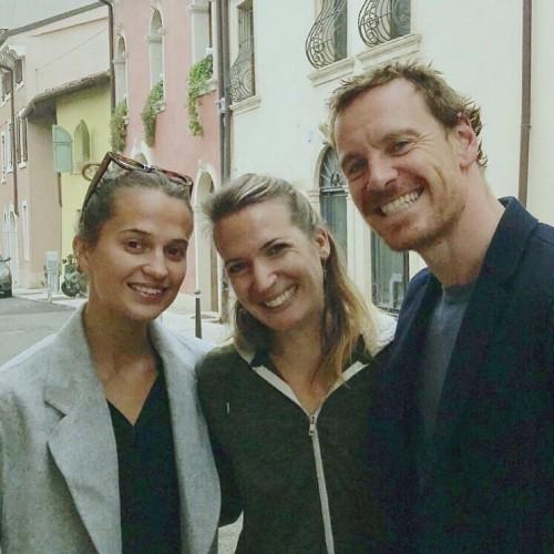 Алисия Викандер и Майкл Фассбендер отправились на медовый месяц после приватной свадьбы