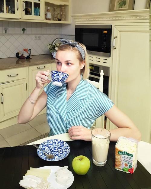 Полина Гагарина посетила дом своего детства