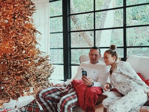 Как Дженнифер Лопес и Алекс Родригес провели рождественское утро