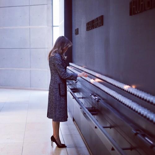 Мелания Трамп посетила Мемориальный музей холокоста в Вашингтоне