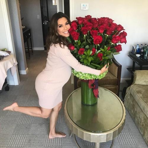Ева Лонгория отпраздновала 43-летие и рассказала о беременности