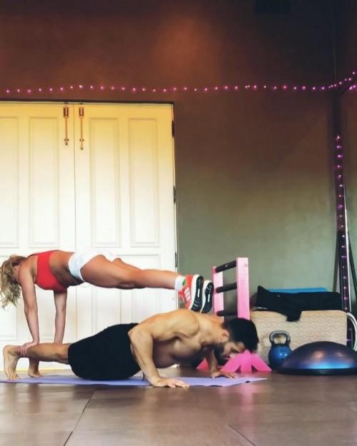 Бритни Спирс показала тренировки с Сэмом Асгари