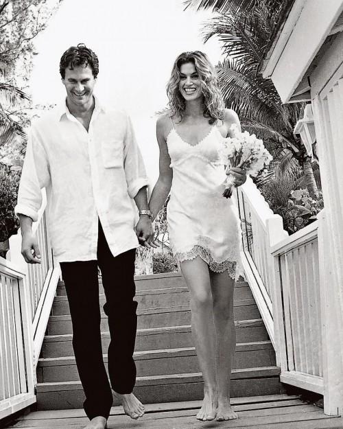 Синди Кроуфорд и Рэнди Гербер отмечают 20 лет брака: редкие фото
