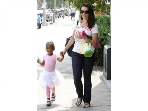 Звезда «Секса в большом городе» Кристин Дэвис усыновила еще одного ребенка