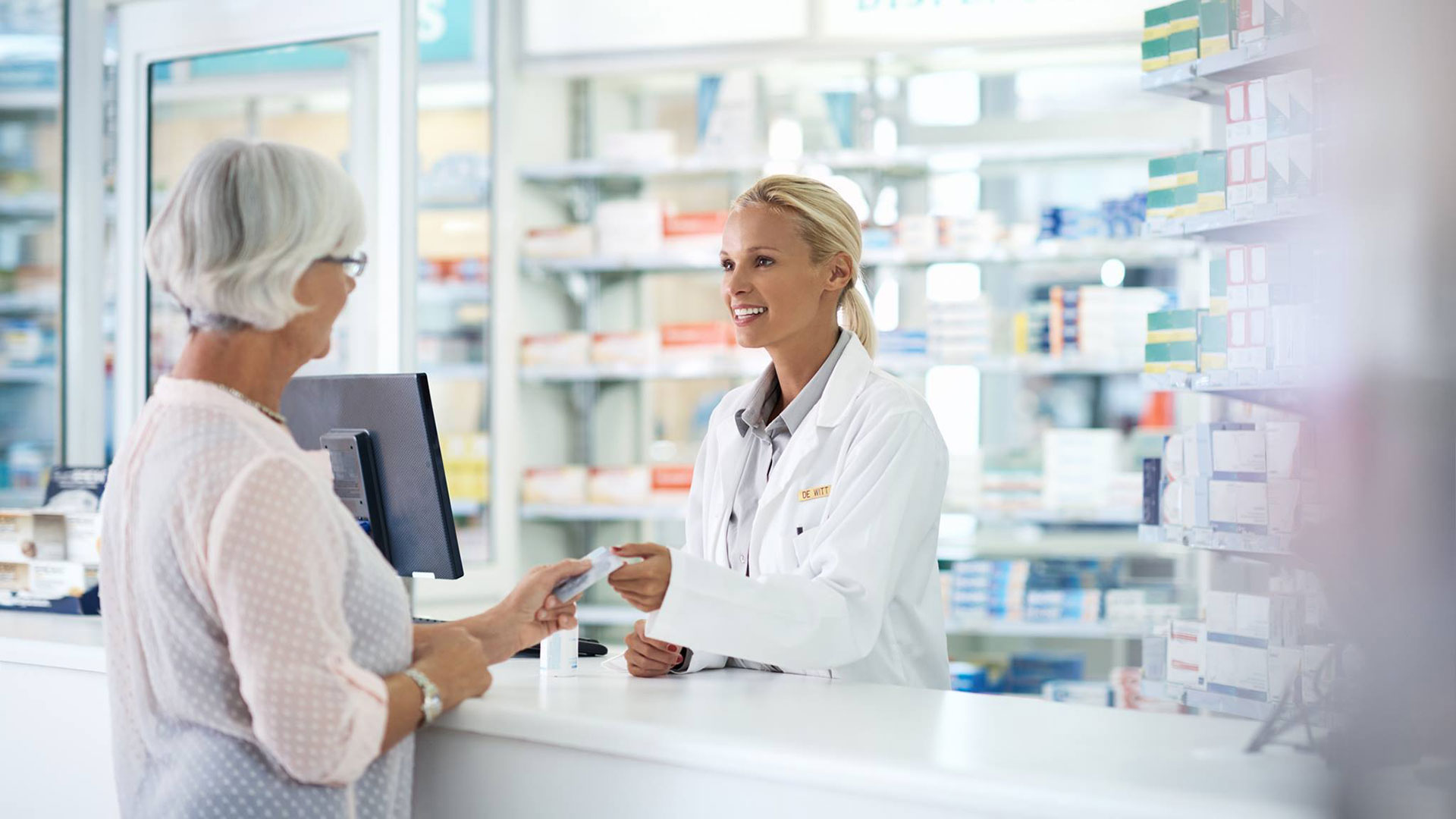 В новые рекомендации по профилактике COVID-19 включили арбидол
