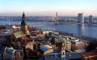 Латвийским работникам сферы обслуживания запретят говорить по-русски