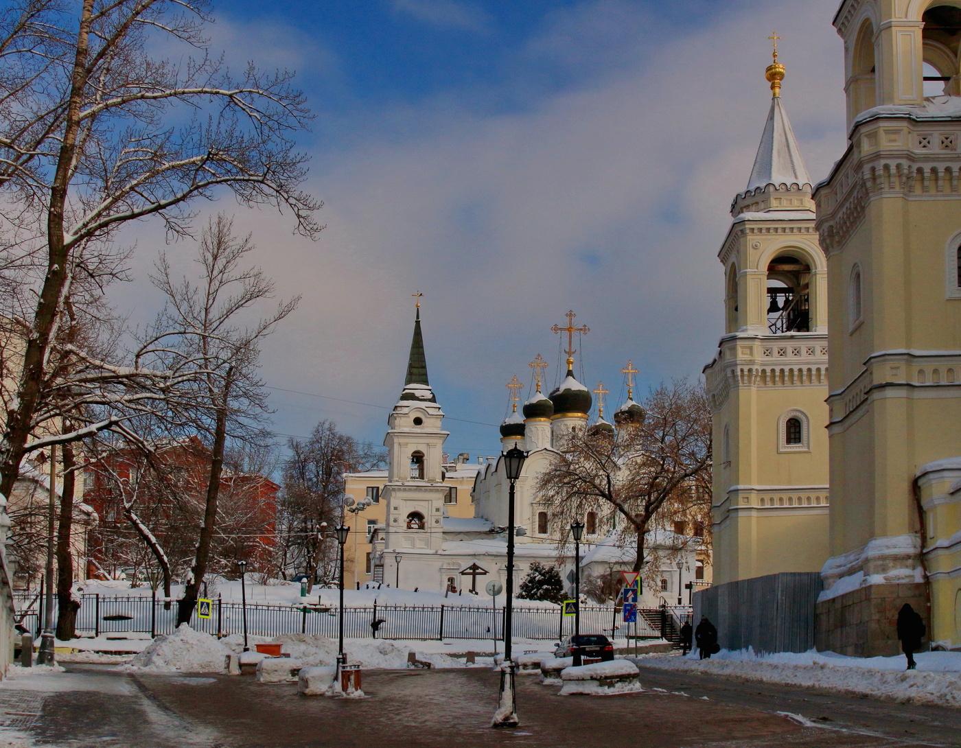 Активисты вводят в заблуждение москвичей на Ивановской горке