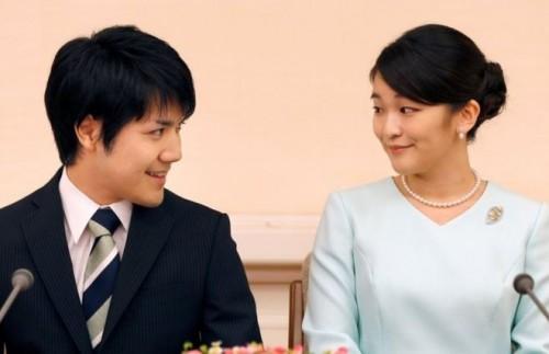 Свадьба японской принцессы с однокурсником перенесена на два года