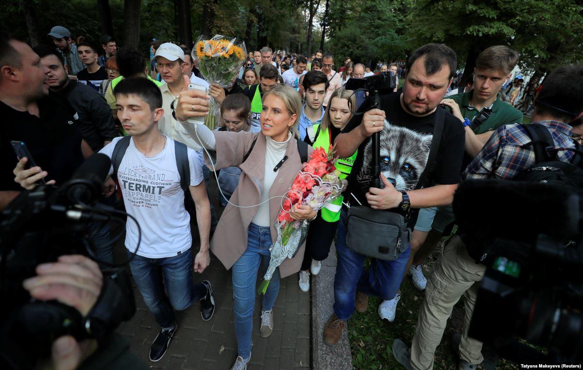 Депутат Госдумы Сергей Боярский назвал митинг в Москве искусственным и постановочным