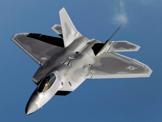 Пентагон спешно ищет замену истребителям F-22 и F-15