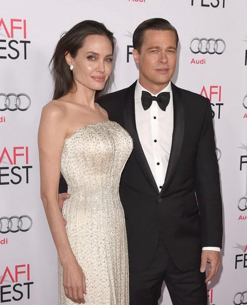 Инсайдер говорит: как Анджелина Джоли справилась с ограничением опеки?