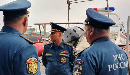 Глава МЧС проинспектировал готовность пожарно-спасательной инфраструктуры в Певеке накануне прибытия плавучего энергоблока