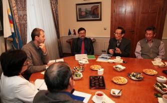 Губернатор Роман Копин провел встречу со старейшинами коренных малочисленных народов Чукотки