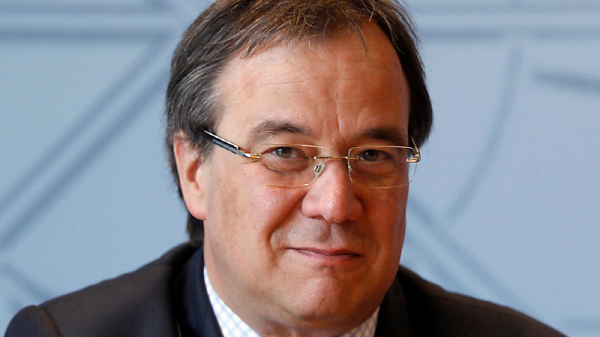 Новым канцлером ФРГ может стать «мужская копия» Ангелы Меркель