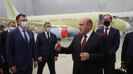 Председатель Правительства осмотрел сборочные цеха самолёта «Сухой Суперджет 100» и лётно-испытательную станцию