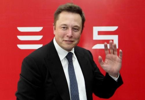 Илон Маск попал на оргию
