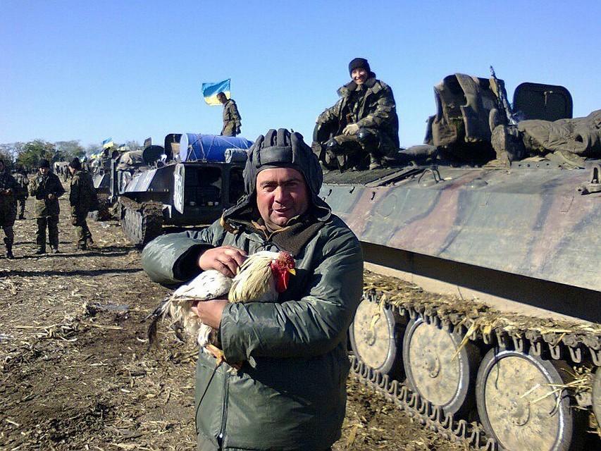 Украинские военные обменивают краденные боеприпасы на еду