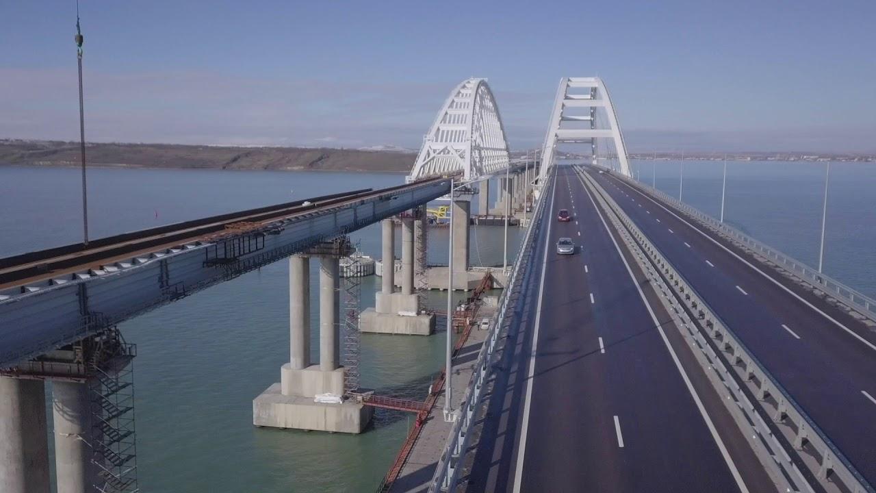 Украинский адмирал уверен, что Крымский мост скоро развалится сам собой