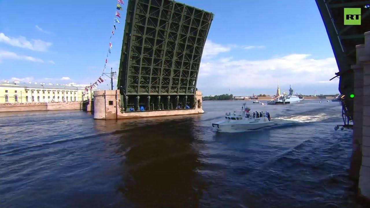 Парад в честь Дня ВМФ в Санкт-Петербурге 28 июля 2019 года