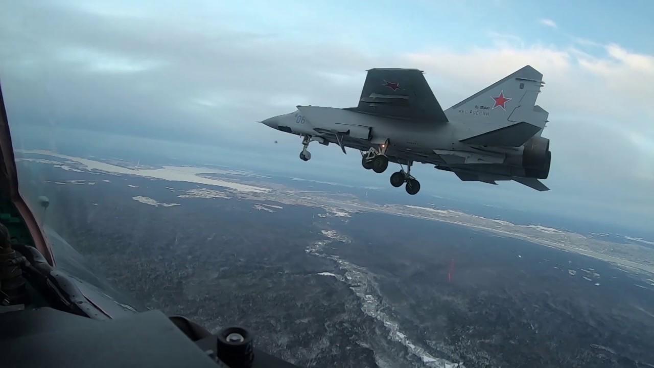 Пилоты ВКС РФ продемонстрировали высший пилотаж на истребителях МиГ-31