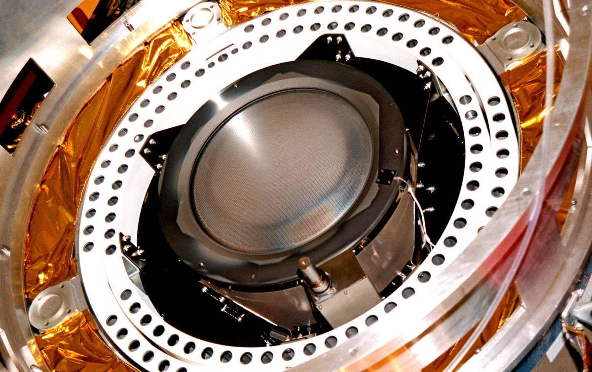 Центр имени Келдыша завершил испытания перспективного ионного двигателя ИД-200 КР