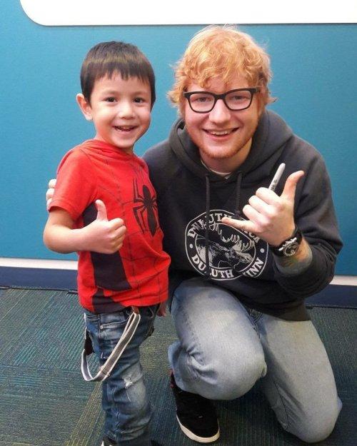 Эд Ширан сделал сюрприз для детей в бостонском госпитале