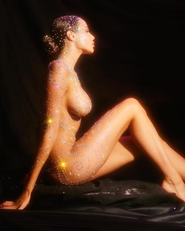 Анастасия Решетова в откровенной фотосессии