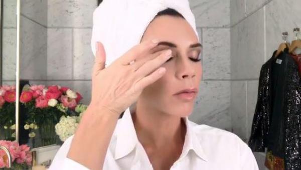 Цена красоты: Виктория Бекхэм тратит 1246 фунтов на косметику ежедневно