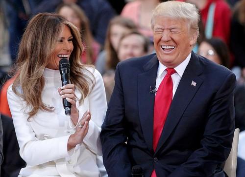 Дональд Трамп ответил на заявления о несчастной жене Мелании