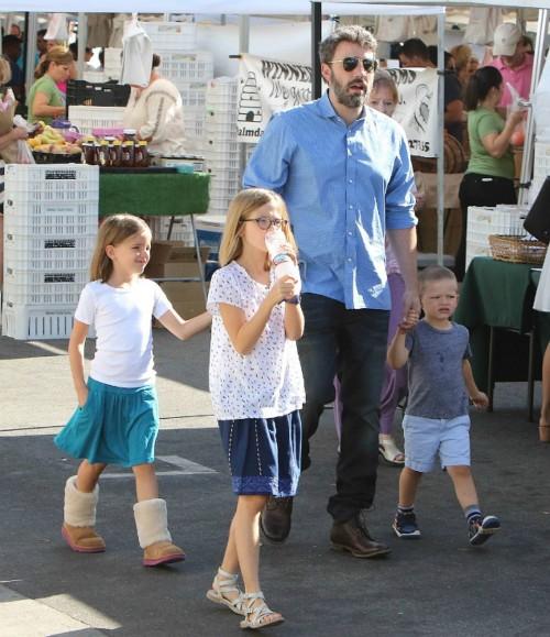Бен Аффлек отпраздновал Рождество вместе с детьми и бывшей женой