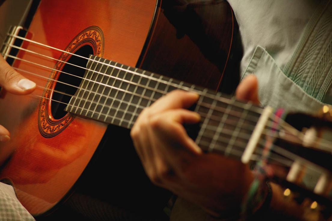 Курсы гитары в Москве для начинающих взрослых